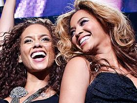 """Alicia Keys defende Beyoncé na polêmica sobre playback: """"você não pode duvidar que ela pode cantar"""""""