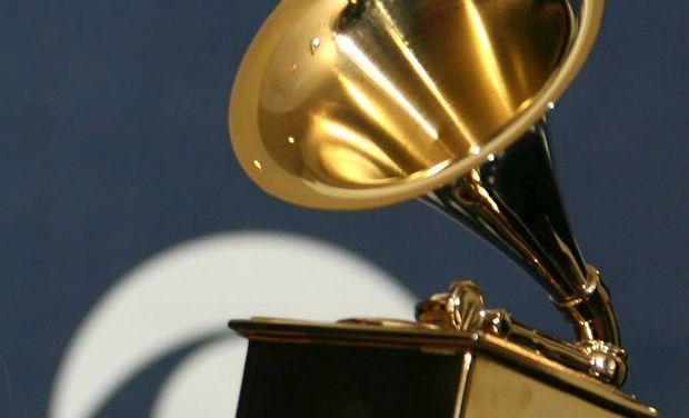 afp_us-grammys-trophy-_0 Indicados ao Grammy 2015 serão anunciados em dezembro