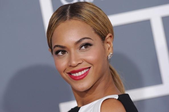 Rapper Common confirma participação de Beyoncé no palco do Grammy 2015