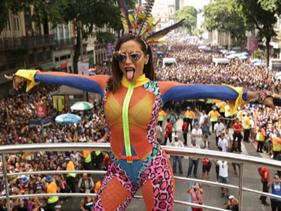 Fotos e vídeos: Anitta se despede da semana do Carnaval com trio e participações de Nego do Borel e Pabllo Vittar