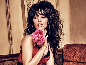 """Camila Cabello coloca todas as músicas do """"Camila"""" em parada do Spotify Global"""