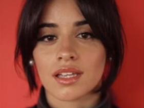"""Camila Cabello lança """"vídeo vertical"""" para """"Havana"""""""
