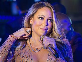 """Apresentadores do """"Dick Clark's New Year's Rockin' Eve"""" falam sobre retorno de Mariah Carey: """"acho lindo dar uma segunda chance"""""""