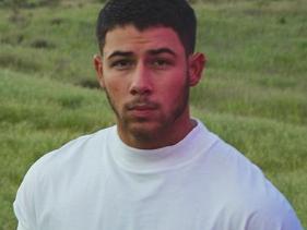 "Nick Jonas vai cantar ""Anywhere"" no MTV Movie & TV Awards"