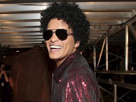 Bruno Mars vai doar 24 mil refeições no Dia de Ação de Graças