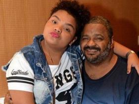 Recuperando-se de AVC, Arlindo Cruz será avô pela 2° vez! Filha de 15 anos do cantor está grávida