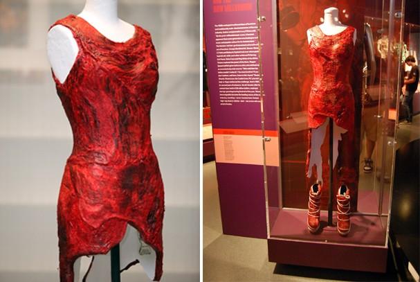 Há dez anos, Lady Gaga chocava o mundo com vestido de carne no VMA