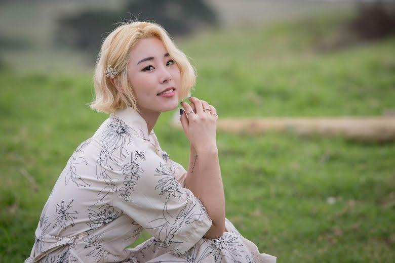 K-Pop: Wheein, do MAMAMOO, machuca pescoço em ensaio