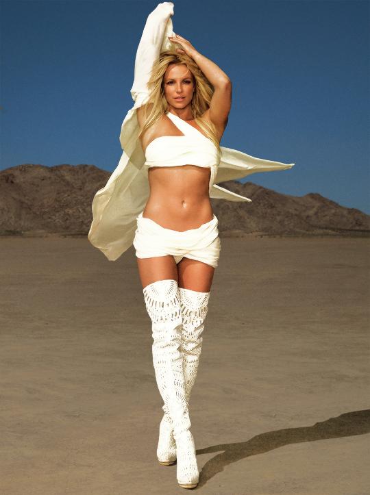 Britney Spears x Backsteet Boys: veja reações de fãs à parceria inesperada!
