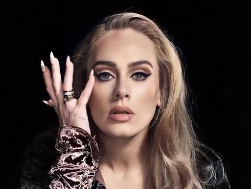 """Álbum novo da Adele será de """"sofrência"""", diz locutora"""
