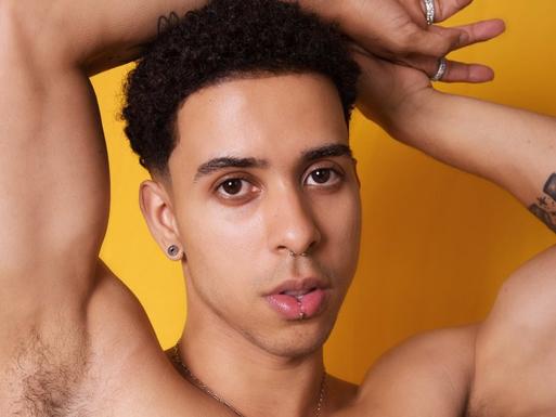Vazou nude do cantor Thiago Pantaleão?