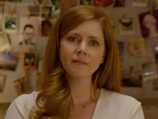 Amy Adams sempre chora ao falar de Querido Evan Hansen
